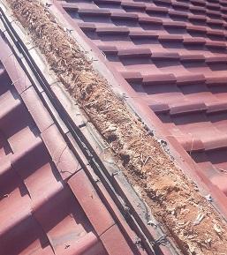 雨漏り修理 棟積み直し工事