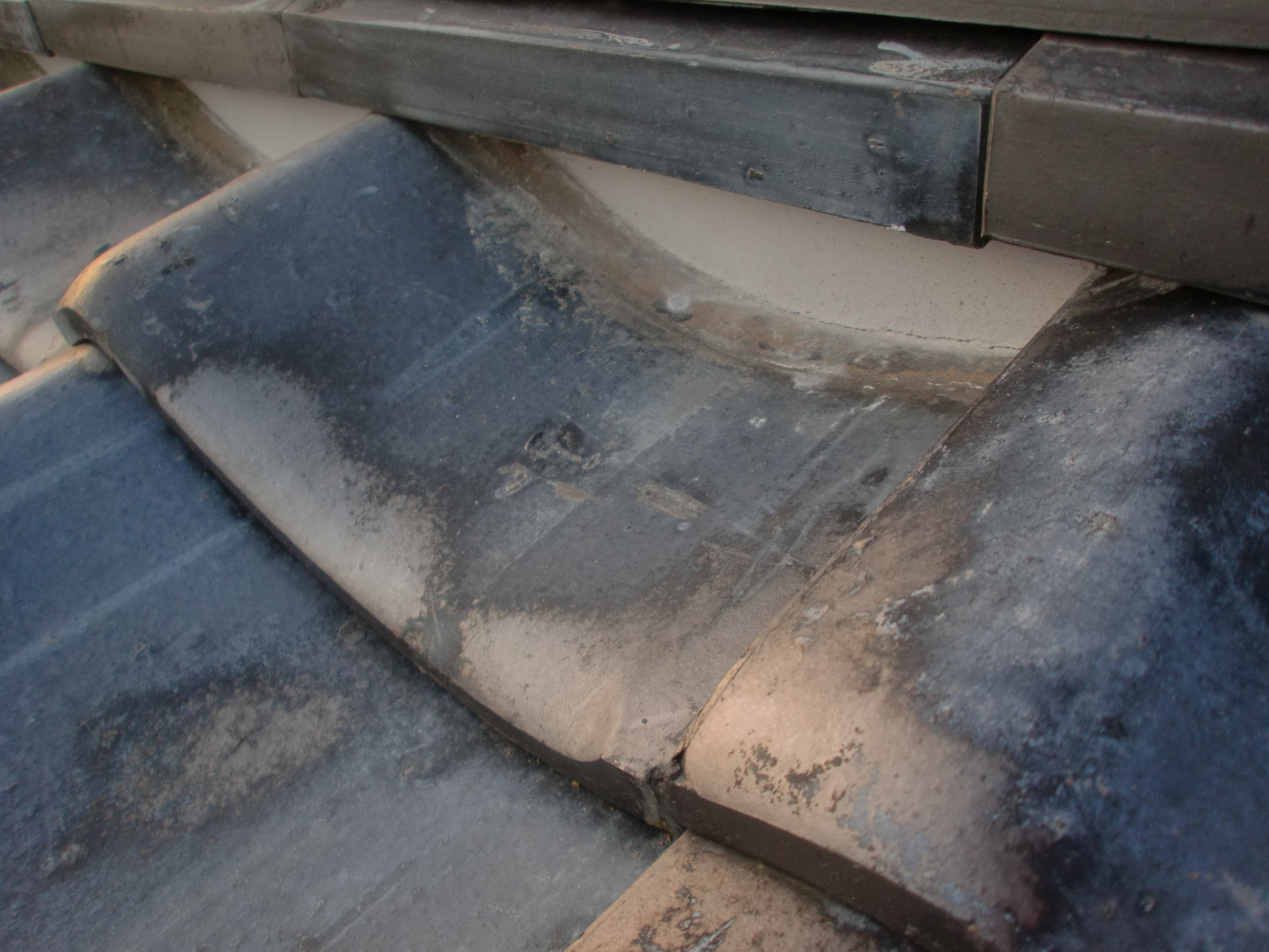 雨漏り 漆喰メンド工事