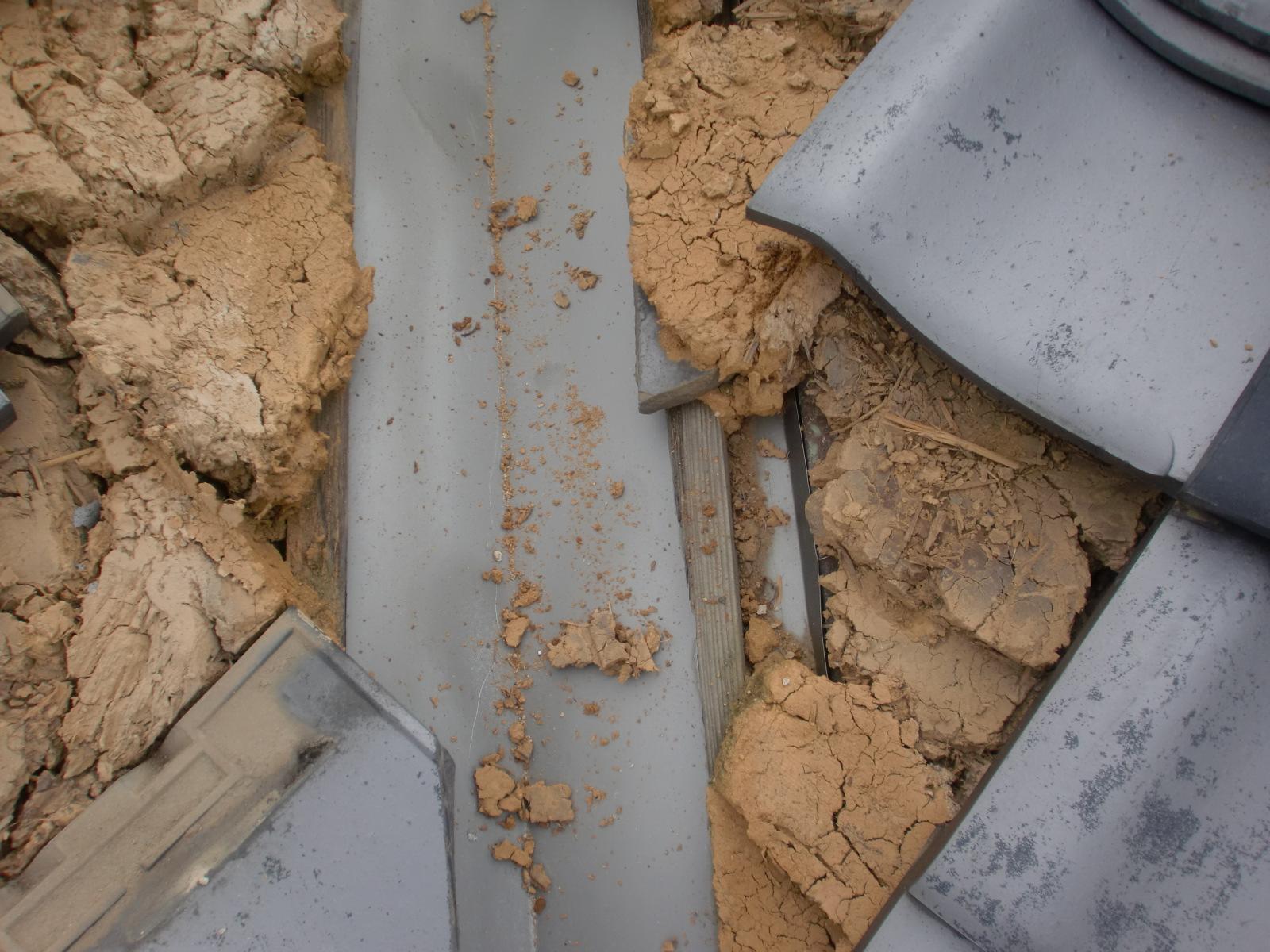 雨漏り修理 津市 谷部分