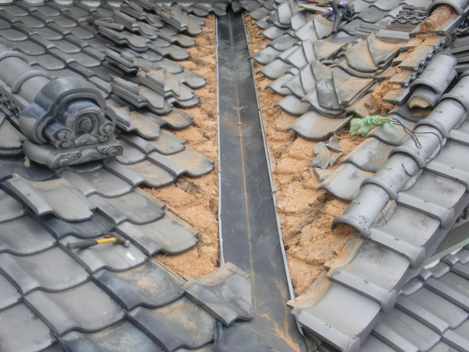 雨漏り修理 谷樋 入れ替え工事