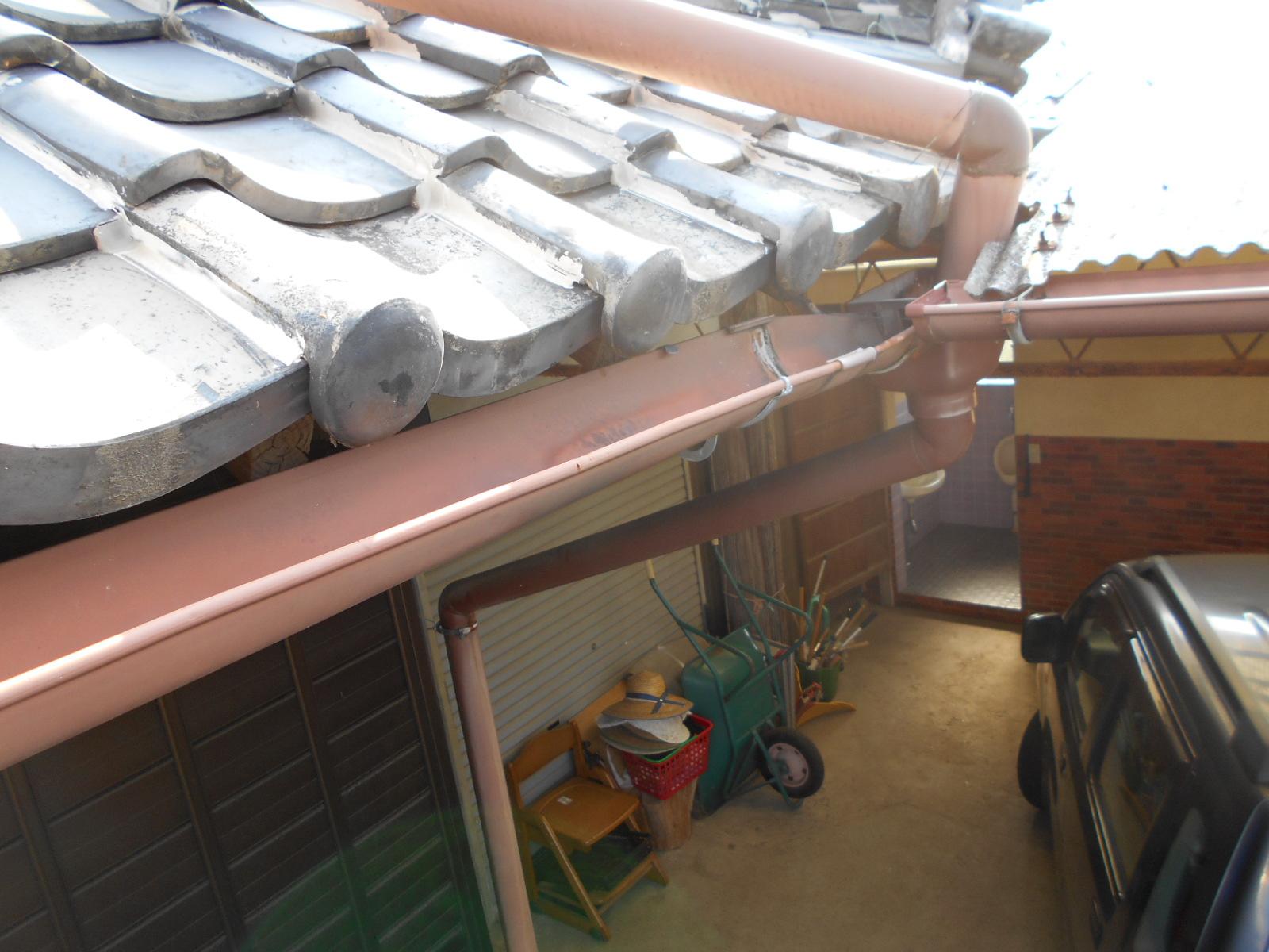津市で樋の修理