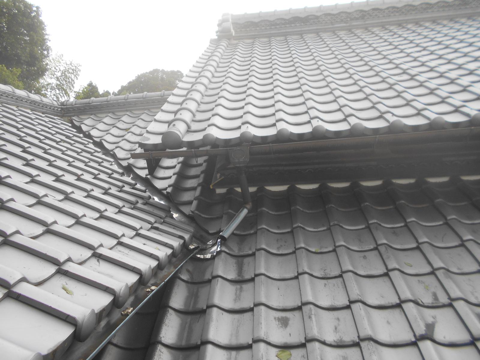 亀山市で雨樋修理