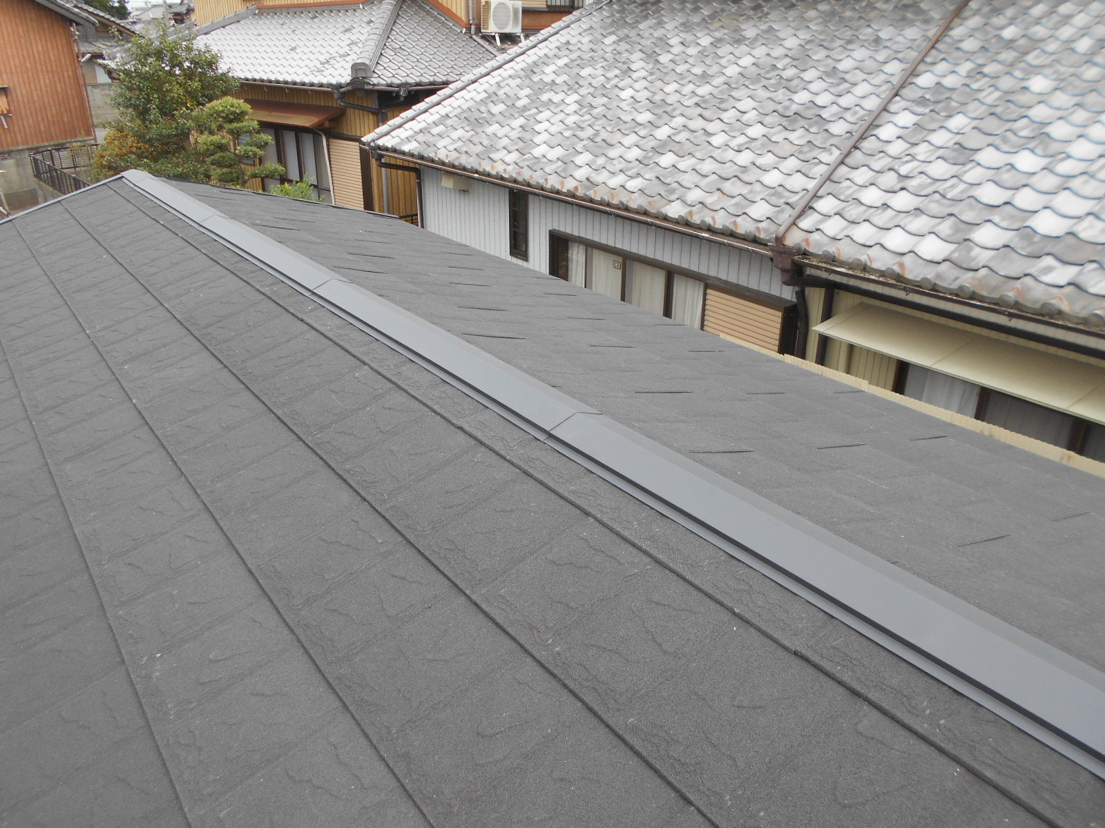 津市でスレート屋根カバー工事